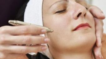 Gesichtsbehandlung mit Hyaluron durch Kosmetikstudio Bella Donna Erlangen