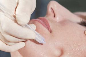 Gesichtsbehandlung mit jet peel durch Kosmetikstudio Bella Donna Erlangen